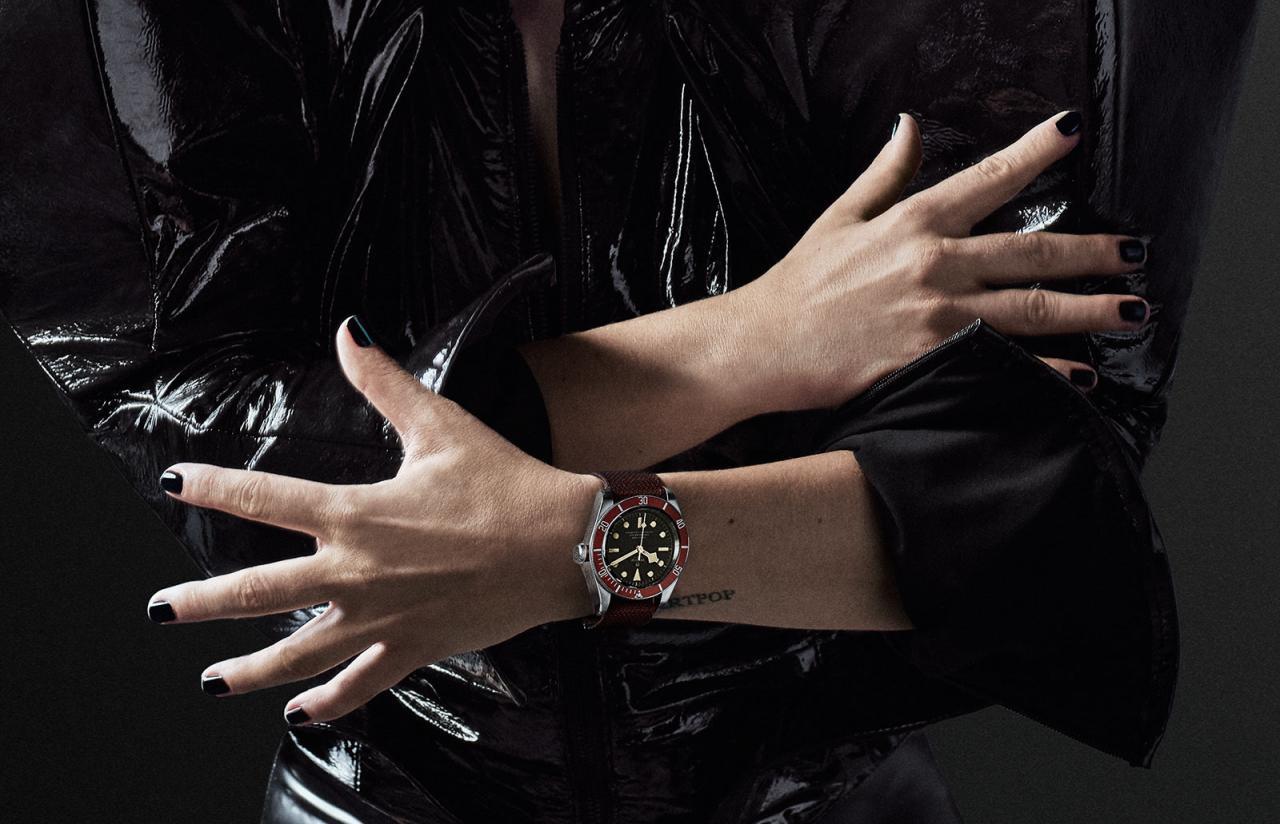 Lady-Gaga-Tudor-Black-Bay-watch-1